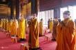 Tăng ni đeo khẩu trang dự lễ Phật đản ở ngôi chùa lớn nhất Việt Nam