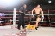 Video: Đệ nhất Thiếu Lâm thảm bại khó hiểu, đứng im giơ mặt hứng 6 cú đấm