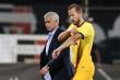Europa League: Mourinho và học trò chật vật thắng đội bóng chỉ còn 9 cầu thủ