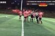 Video: Cầu thủ Trung Quốc đánh lén thô bạo khiến trọng tài nằm sân