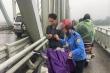 Thiếu tá quân đội nhảy xuống sông Lam cứu người nhảy cầu tự tử giữa trời mưa rét
