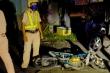 Cảnh sát nổ súng, chặn nhóm 'quái xế' dàn hàng trên quốc lộ để đua xe