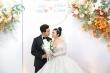 MC Thuỳ Linh rạng ngời hạnh phúc sánh đôi chú rể Đức Hiếu trong tiệc cưới
