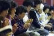 Video: Phụ huynh Hàn Quốc lên chùa cầu may trước ngày con thi đại học