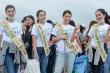 Hoa hậu Phương Khánh cùng hàng ngàn người dân Philippines dọn rác trên bờ biển