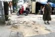 Sau 2 năm, vỉa hè Hà Nội bung vỡ dù đá lát được quảng cáo bền tới 70 năm