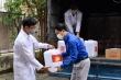 ĐH Bách khoa Hà Nội tặng 500 lít dung dịch sát khuẩn cho dân vùng 'tâm dịch' Vĩnh Phúc