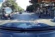 Clip: Vượt đèn đỏ, người đàn ông lái xe máy bị ô tô tải tông văng xuống đường