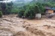 Sau bão số 9, miền Trung lại oằn mình chống chọi mưa lớn, lũ quét và sạt lở đất