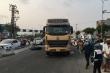 Đà Nẵng: Xe máy bị cuốn vào gầm xe đầu kéo, 2 người thương vong