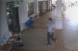 Người đàn ông không hợp tác khai báo y tế còn hành hung bảo vệ bệnh viện