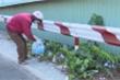 Video: Cụ ông 70 tuổi tình nguyện thu gom rác khẩu trang mùa dịch bệnh