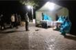 Bộ đội biên phòng ăn cơm trên lá chuối, trực 24/24 giờ chặn dịch Covid-19