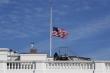 Mỹ treo cờ rủ tưởng nhớ gần 100.000 người chết vì COVID-19