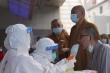 COVID-19: Ca mắc tại Trung Quốc tăng đột biến, người nhiễm mới ở Ấn Độ giảm mạnh