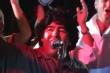Video: Nghe Diego Maradona hát ca khúc 'Bàn tay của Chúa'