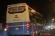 Xe khách ngang nhiên lấn làn gây ùn tắc kéo dài tại đường vào hầm Hải Vân