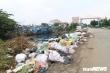 Ảnh: Rác thải chất đống khu neo đậu tàu cá Sa Kỳ, Quảng Ngãi