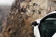 Video: Khám phá cung đường trên vách đá nguy hiểm nhất ở Ấn Độ