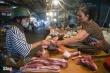 Giá lợn hơi giảm, thịt ở chợ vẫn ế