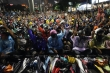 Người biểu tình Thái Lan giải tán trong hòa bình