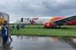 Máy bay Vietjet đáp xuống cỏ: Tân Sơn Nhất sử dụng tạm đường băng đang nâng cấp
