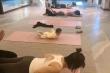 Em bé chưa đầy tuổi gây bão mạng vì màn biểu diễn yoga cực điệu nghệ