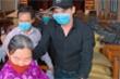 Diễn viên Minh Luân phát 4,5 tấn gạo cho người dân miền Tây