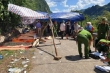 Lật xe chở cựu học sinh họp lớp ở Quảng Bình: 15 người chết, 3 người nguy kịch