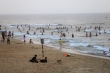 Đổ xô đi tắm biển, tụ tập vui chơi mùa dịch: Sự thờ ơ, vô trách nhiệm đáng sợ