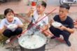 Quay clip nấu gà nguyên lông, con trai bà Tân Vlog bị phạt 7,5 triệu đồng