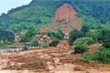 Thủ tướng yêu cầu tập trung mọi nguồn lực cứu hộ nạn nhân ở Huế và Quảng Trị