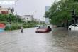 Ảnh: Đường phố Hải Phòng nước ngập ngang đầu gối, hàng loạt xe chết máy