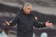 Tottenham thua thảm, HLV Mourinho nói Man City không xứng đáng hưởng phạt đền