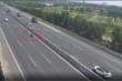 Xe máy ngang nhiên vượt chốt vào cao tốc Hà Nội - Hải Phòng, đua tốc độ với ô tô