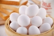 Cách phân biệt trứng gà bị tẩy trắng, tránh mua phải trứng độc