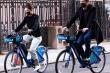 Ảnh: Katie Holmes và tình trẻ vui vẻ đạp xe dạo phố