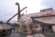 Video: Sản xuất khủng long khổng lồ biết cử động, phát ra âm thanh ở TP.HCM