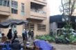 Nữ sinh lớp 10 ở Hà Nội rơi từ tầng 9 xuống mái tôn tử nạn