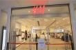 Hai tuần thảm họa của H&M ở châu Á