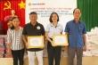 'Nắm gạo tình thương': Vietbank hỗ trợ người nghèo hậu COVID-19