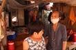Xót cảnh 2 bà cháu sống trong lều nát cạnh chuồng gà giữa đất Sài Gòn