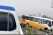 Nghệ An: Xe  khách đâm dải phân cách, 4 người thương vong