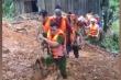 Công an Quảng Trị băng rừng, bới đất tìm 4 người trong 1 nhà bị đất vùi lấp