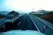 Xe tải ngang nhiên đi ngược chiều trên cao tốc Bắc Giang - Lạng Sơn