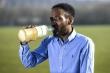Người đàn ông 37 tuổi uống nước tiểu suốt 3 năm để chữa bệnh dạ dày