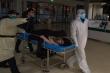 Trung Quốc lần đầu thừa nhận COVID-19 làm lộ điểm yếu trong hệ thống y tế