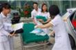 Chạy đến viện không kịp, sản phụ trẻ tuổi 'đẻ rơi' con trai trên taxi