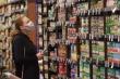 COVID-19: Sau giấy vệ sinh, dân Mỹ đổ xô mua đồ gì?