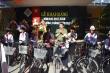 Giám đốc Công an Huế tặng 30 xe đạp cho trẻ em nghèo vùng cao ngày khai giảng